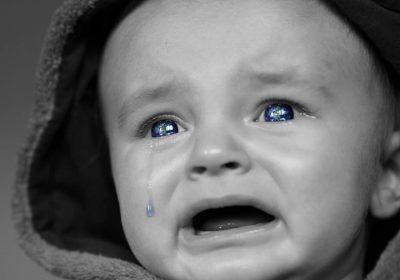 Ağlayan bebeği sakinleştirme ve susturma yolları