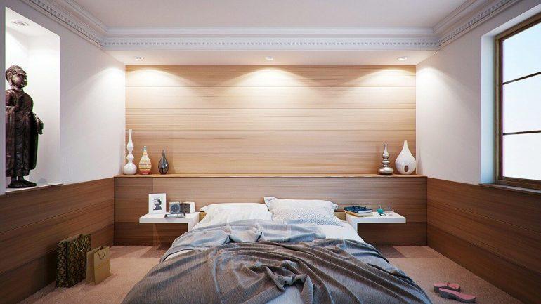 Küçük yatak odası nasıl büyük gösterilir?